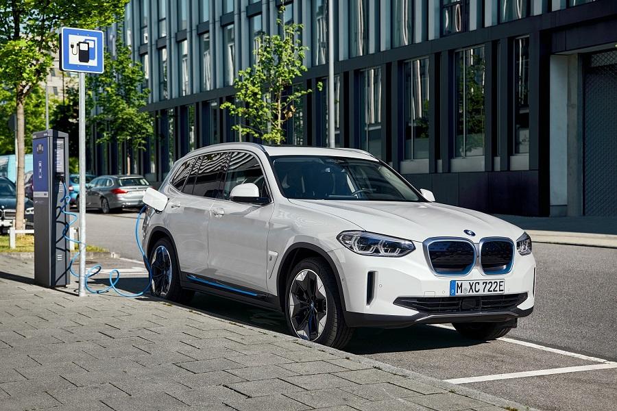 BMW crece su oferta de eléctricos en México con iX3
